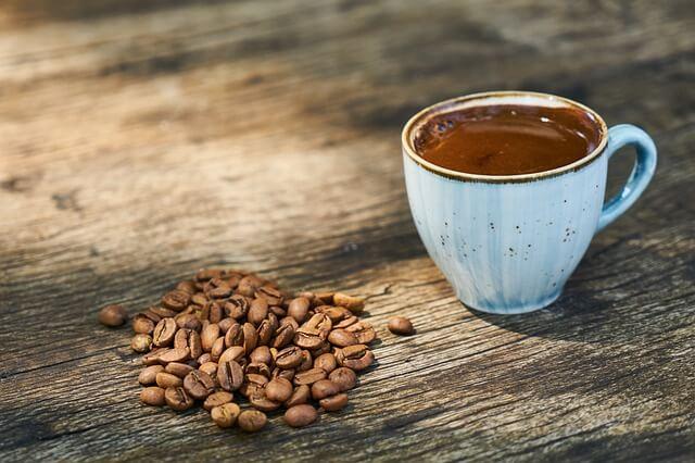 simboli kavne usedline za šloganje iz kave